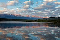 Early morning light at Pyramid Lake, Jasper National Park, UNESCO World Heritage Site, British Columbia, Rocky Mountains, Canada, North America Stock Photo - Premium Rights-Managednull, Code: 841-05961760