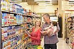 Family shopping for groceries in supermarket Stock Photo - Premium Royalty-Freenull, Code: 635-05972339