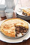 Traditional Karoo cooking. Kudu pie in cold water pastry Stock Photo - Premium Royalty-Free, Artist: foodanddrinkphotos, Code: 682-05977580