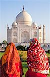 Women in colourful saris at the Taj Mahal, UNESCO World Heritage Site, Agra, Uttar Pradesh state, India, Asia Stock Photo - Premium Rights-Managed, Artist: Robert Harding Images, Code: 841-06031257