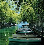 Boats along canal, Annecy, Lake Annecy, Rhone Alpes, France, Europe Stock Photo - Premium Rights-Managed, Artist: Robert Harding Images, Code: 841-06033473