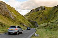 Cars travelling down Winnats Pass, Castleton, Peak District National Park, Derbyshire, England, United Kingdom, Europe Stock Photo - Premium Rights-Managednull, Code: 841-06034456