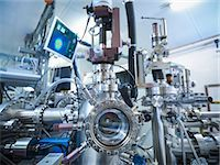 pipe (industry) - Vacuum chamber in lab Stock Photo - Premium Royalty-Freenull, Code: 649-06041547