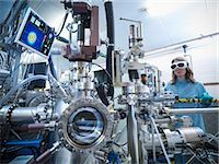 pipe (industry) - Scientist using vacuum chamber in lab Stock Photo - Premium Royalty-Freenull, Code: 649-06041548