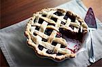 Blackberry pie with missing slice Stock Photo - Premium Royalty-Free, Artist: Michael Alberstat, Code: 614-06043978