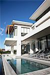 Modern house with swimming pool Stock Photo - Premium Royalty-Free, Artist: urbanlip.com, Code: 635-06045424