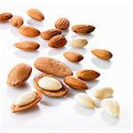 Almonds, unshelled and shelled Stock Photo - Premium Royalty-Freenull, Code: 659-06152176
