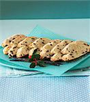 Sliced Stollen on a blue and white polka dotted serviette Stock Photo - Premium Royalty-Freenull, Code: 659-06153517