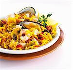 Paella with mussels, shrimp and mushrooms Stock Photo - Premium Royalty-Free, Artist: Photocuisine, Code: 659-06154300