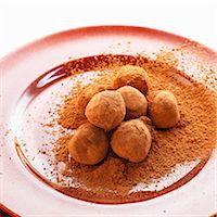 sweet   no people - Chocolate Truffles in a Pile of Cocoa Powder on a Plate Stock Photo - Premium Royalty-Freenull, Code: 659-06155539