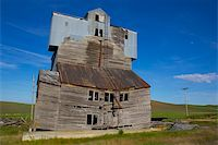 A dilapidated grain elevator in the Palouse Stock Photo - Royalty-Freenull, Code: 400-06175534