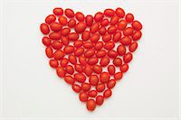 A heart shaped out of plum tomatoes Stock Photo - Premium Royalty-Freenull, Code: 659-06184076