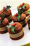 Chocolate cakes with marzipan holly Stock Photo - Premium Royalty-Freenull, Code: 659-06184828