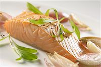 food - Salmon fillet with wilted shallots, pepper and tarragon Stock Photo - Premium Royalty-Freenull, Code: 659-06188040