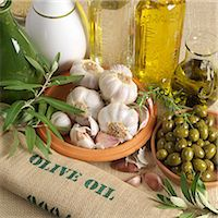 An arrangement of olives Stock Photo - Premium Royalty-Freenull, Code: 659-06188338