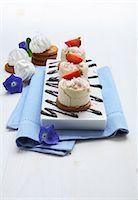 rectangle - Semifreddo con la frutta (semifreddo with fruit) Stock Photo - Premium Royalty-Freenull, Code: 659-06306164