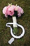 Wedding bouquet and horseshoe on grass Stock Photo - Premium Royalty-Free, Artist: Norbert Schfer, Code: 6102-06336840