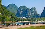 Li River (Lijiang) and pinnacles, Yangshuo, Guilin, China Stock Photo - Premium Rights-Managed, Artist: Oriental Touch, Code: 855-06338637