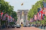Flags lining the Mall to Buckingham Palace for President Obama's State Visit in 2011, London, England, United Kingdom, Europe Stock Photo - Premium Rights-Managed, Artist: Robert Harding Images, Code: 841-06341327