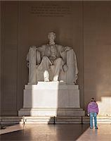 The statue of Lincoln in the Lincoln Memorial being admired by a young girl, Washington D.C., United States of America, North America Stock Photo - Premium Rights-Managednull, Code: 841-06342093
