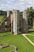The inner gatehouse to the 16th century Tudor Cowdray Castle at Midhurst, West Sussex, England, United Kingdom, Europe Stock Photo - Premium Rights-Managednull, Code: 841-06342397