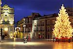 Duomo Square at Christmas, Ortygia, Siracusa, Sicily, Italy, Europe Stock Photo - Premium Rights-Managed, Artist: Robert Harding Images, Code: 841-06343997