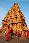 Indian pilgrims, Bridhadishwara temple, UNESCO World Heritage Site, Thanjavur (Tanjore), Tamil Nadu, India, Asia Stock Photo - Premium Rights-Managed, Artist: Robert Harding Images, Code: 841-06344612