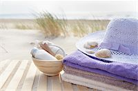 Bathing Products, Towels, and Sunhat, Cap Ferret, Gironde, Aquitaine, France Stock Photo - Premium Royalty-Freenull, Code: 600-06407743