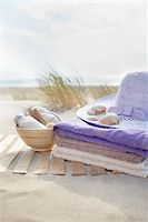 Bathing Products, Towels, and Sunhat, Cap Ferret, Gironde, Aquitaine, France Stock Photo - Premium Royalty-Freenull, Code: 600-06407744
