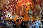 Thai people during a ceremony in Wat Phanan Choeng, a Buddhist temple, Ayutthaya, Thailand, Southeast Asia, Asia Stock Photo - Premium Rights-Managed, Artist: Robert Harding Images, Code: 841-06444819