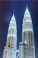 Low angle view of the Petronas Twin Towers, Kuala Lumpur, Malaysia, Southeast Asia, Asia Stock Photo - Premium Rights-Managednull, Code: 841-06447199