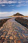 Causeway over to St. Michaels Mount at low tide, Marazion, Cornwall, England, United Kingdom, Europe Stock Photo - Premium Rights-Managed, Artist: Robert Harding Images, Code: 841-06447541