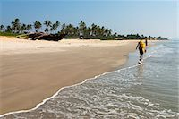 View along beach, Benaulim, Goa, India, Asia Stock Photo - Premium Rights-Managednull, Code: 841-06449382