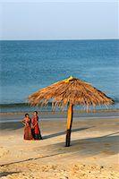 Local girls on Taj Exotica Hotel beach, Benaulim, Goa, India, Asia Stock Photo - Premium Rights-Managednull, Code: 841-06449391