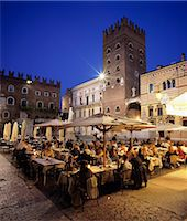Evening dining in the old town, Verona, UNESCO World Heritage Site, Veneto, Italy, Europe Stock Photo - Premium Rights-Managednull, Code: 841-06449540