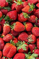 strawberries - Strawberries for sale at the Sunday morning market, Pollenca, Tramuntana, Mallorca, Balearic Islands, Spain, Europe Stock Photo - Premium Rights-Managednull, Code: 841-06449814