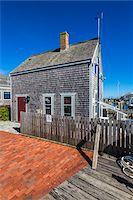 quaint house - Wood Shingle Cottage at Waterfront, Edgartown, Dukes County, Martha's Vineyard, Massachusetts, USA Stock Photo - Premium Rights-Managednull, Code: 700-06465781