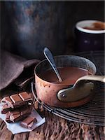 spicy - Pan of melted chocolate Stock Photo - Premium Royalty-Freenull, Code: 649-06489008
