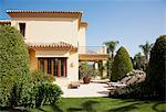 Luxury Spanish villa and patio Stock Photo - Premium Royalty-Free, Artist: urbanlip.com, Code: 6113-06498325