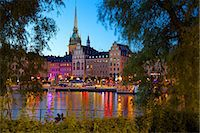 stockholm - Gamla Stan and Riddarholmen with spire of Riddarholmskyrkan (Riddarholmen Church) at dusk, Stockholm, Sweden, Scandinavia, Europe Stock Photo - Premium Rights-Managednull, Code: 841-06502883