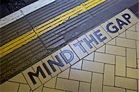 platform - MIND THE GAP sign on platform edge, London Underground, London, England, United Kingdom, Europe Stock Photo - Premium Rights-Managednull, Code: 841-06503352