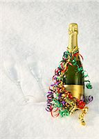 streamer - Champagne, streamers & flutes in the snow. Stock Photo - Premium Royalty-Freenull, Code: 618-06504331