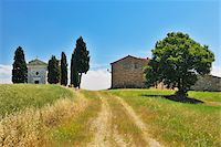 Path to Historic Chapel of Vitaleta and Farmhouse in Summer, San Quirico d'Orcia, Province of Siena, Tuscany, Italy Stock Photo - Premium Rights-Managednull, Code: 700-06512921