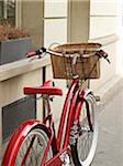 Close-up of red, classic, road bicycle with wicker basket attached to handlebars, Paris, France Stock Photo - Premium Rights-Managed, Artist: Michael Mahovlich, Code: 700-06531924