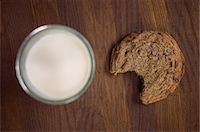 Chocolate chip cookie with milk Stock Photo - Premium Royalty-Freenull, Code: 614-06537663