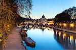 San Peters Basilica and Tiber River, Lazio, Italy Stock Photo - Premium Rights-Managed, Artist: AWL Images, Code: 862-06541984