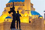 Lebanon, Beirut. Statue in Martyrs Square and Mohammed AlAmin Mosque at dusk. Stock Photo - Premium Rights-Managed, Artist: AWL Images, Code: 862-06542324