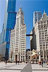 USA, Illinois, Chicago. Marilyn Monroe Statue on Michigan Avenue with the Wrigley Building behind. Stock Photo - Premium Rights-Managed, Artist: AWL Images, Code: 862-06543422