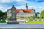 Statue and Formal Garden in front of Weikersheim Castle, Weikersheim, Baden-Wurttemberg, Germany Stock Photo - Premium Rights-Managed, Artist: Siephoto, Code: 700-06553365