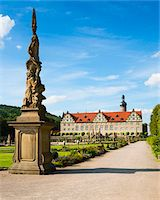 Statue and Formal Garden in front of Weikersheim Castle, Weikersheim, Baden-Wurttemberg, Germany Stock Photo - Premium Rights-Managednull, Code: 700-06553370